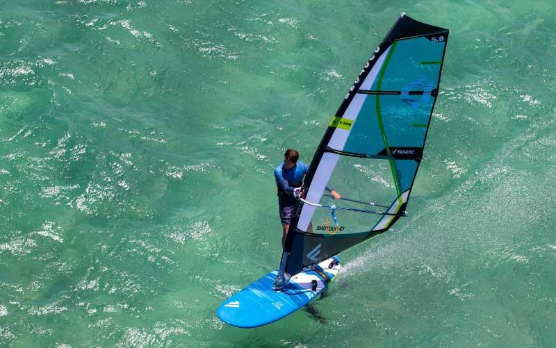 windsurf-gruissan-plage