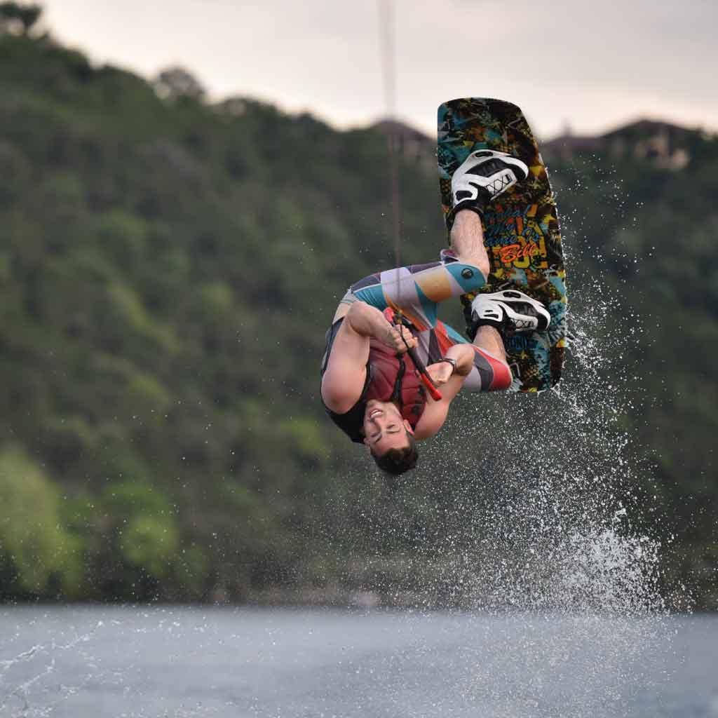 Lexique voile et kitesurf - Wakeboard